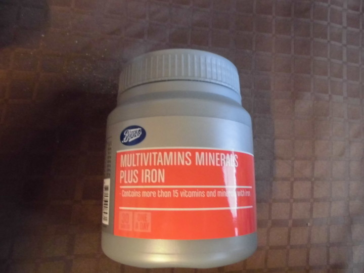 MUTIVITAMINS MINERALS PLUS IRON